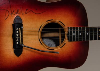 Predice Hendricks Acoustic Tremolo Custom Guitar With Steve Vai Autograph 3